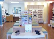 SC_Shoe_Store_Fixture_Liquidation_33